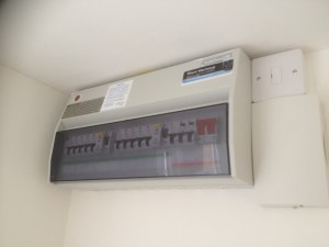 15 Way Dual RCD consumer unit, with independantly controlled RCBO circuits
